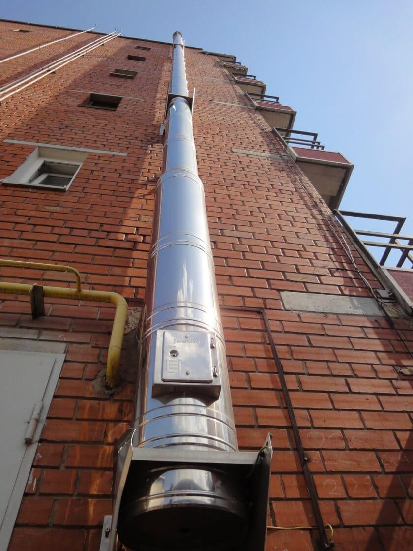 воздуховод на фасаде